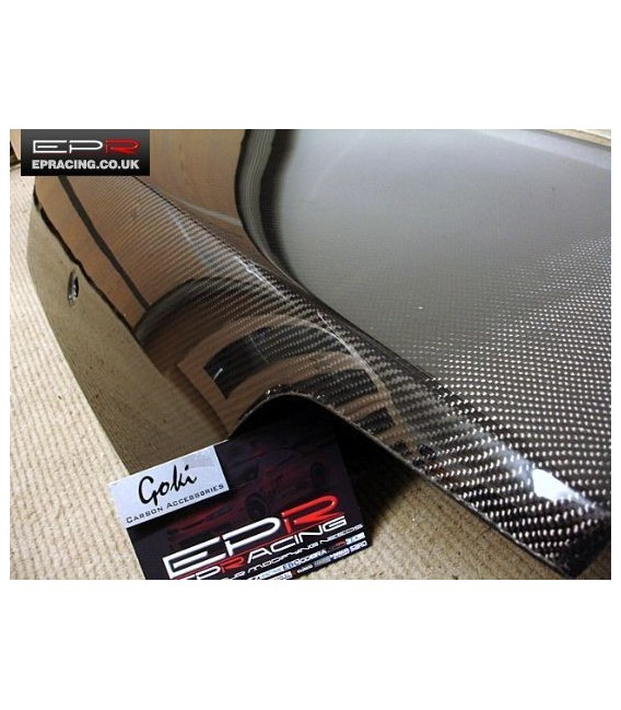 R33 carbon boot lid